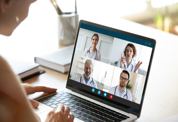 How to improve communication in healthcare with technology?