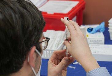 Blockchain in Vaccine Distribution